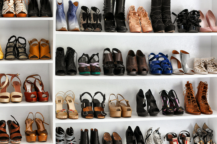 http://wottoncool.files.wordpress.com/2010/03/shoe-wall.jpg